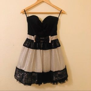 Beautiful Strapless Homecoming/Formal Dress